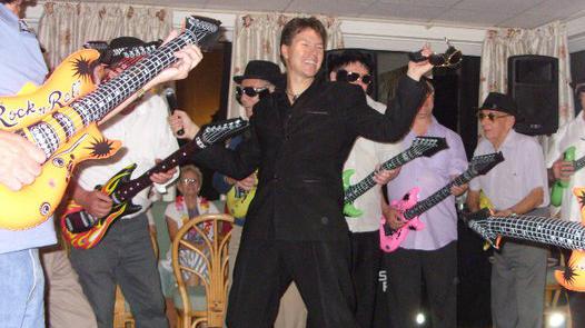 club singer torquay